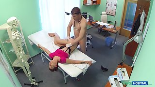 Mesmerizing doctor porn for a young teen with shaved cunt