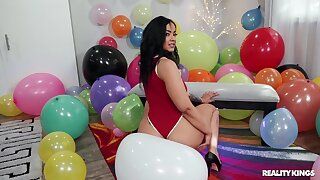 Bold brunette Bad Kittyyy gets bustling in a balloon-filled room