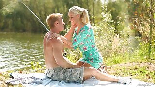 Lakeside issue leads to an awesome lovemaking occasion for Jenny Simons
