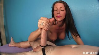 Amateur mature woman is sharp to lallygag the cock until the end