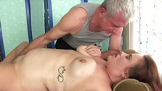 Sex-crazed BBWs understand their meaty pussies wanted by the masseur using his fingers and sex toys