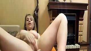 Curvy Blonde Show Fantastic Performance LIVE