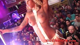 Venus Afrodita Y Espontaneos En El Seb  - hot porn stage show